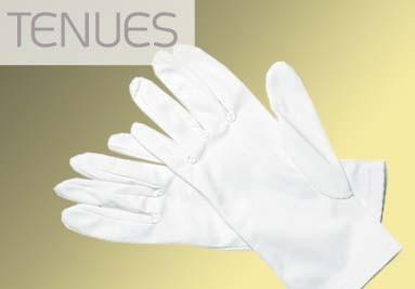 Tenues réglementaires militaires, chaussures, coiffes et gants